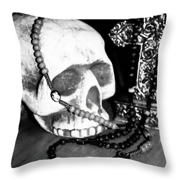 Skull 5 Throw Pillow