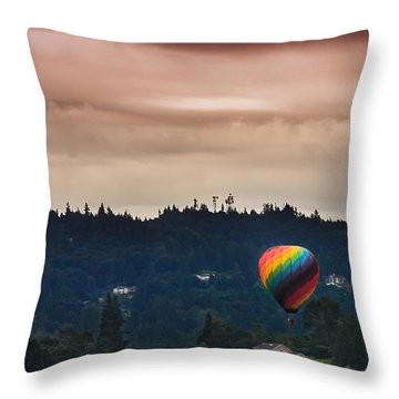 Snohomish Baloon Ride Throw Pillow