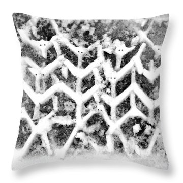 Snowmen Throw Pillow