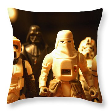 Star Wars Gang 1 Throw Pillow