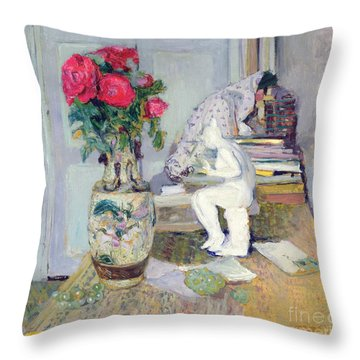 Statuette By Maillol And Red Roses Throw Pillow by Edouard Vuillard