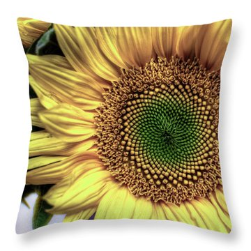 Sunflower 28 Throw Pillow