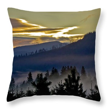 Throw Pillow featuring the photograph Sunrise And Valley Fog by Albert Seger