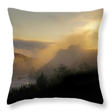 Sunset At Harris Beach Throw Pillow by Mick Anderson
