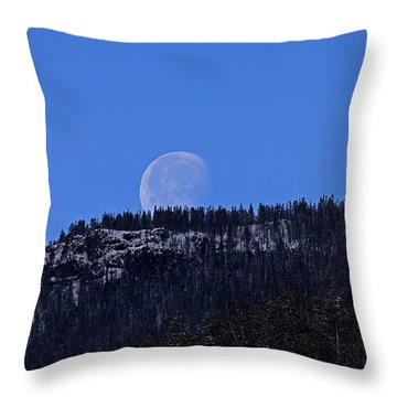 Throw Pillow featuring the photograph Sylvan Pass Moonset by J L Woody Wooden
