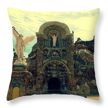 The Grotto In Iowa Throw Pillow by Susanne Van Hulst