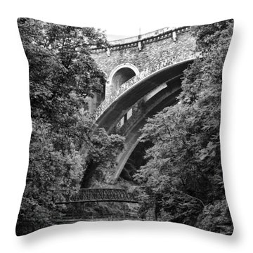 The Wissahickon Creek And Henry Avenue Bridge Throw Pillow by Bill Cannon