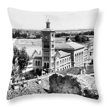 Toledo. Estación De Tren Throw Pillow