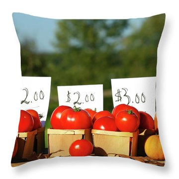 Tomatoes For Sale Throw Pillow by Sandra Cunningham