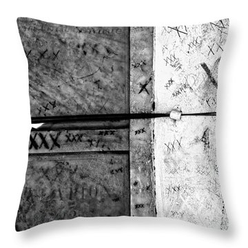 Tomb Of Marie Laveau Voodoo Queen Of New Orleans Black And White Throw Pillow by Kathleen K Parker