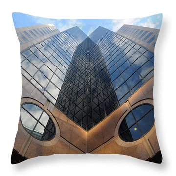 Towering Modern Skyscraper In Downtown Throw Pillow