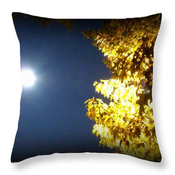 Tree Of Glory 1 Throw Pillow