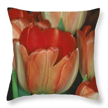 Tulip 1 Throw Pillow