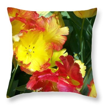 Tulips 1 Throw Pillow