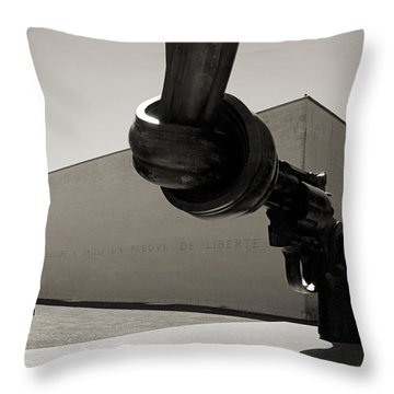 Un Fleuve De Liberte Throw Pillow by RicardMN Photography