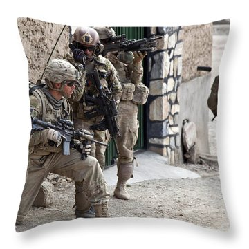 U.s. Army Battalion Pulls Security Throw Pillow by Stocktrek Images