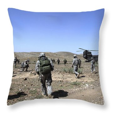 U.s. Army Soldiers Run Back Throw Pillow by Stocktrek Images