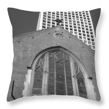 Throw Pillow featuring the photograph Vintage And Modern - San Francisco Bw 2009 by Connie Fox
