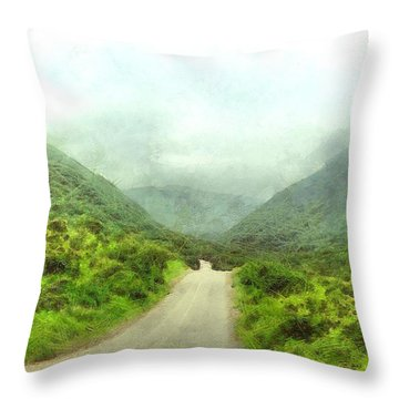 Wadi Darbat Throw Pillow