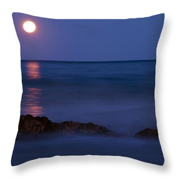 Wells Beach Maine Moonrise Throw Pillow