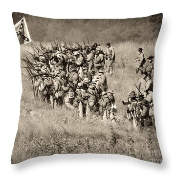Gettysburg Confederate Infantry 9015s Throw Pillow