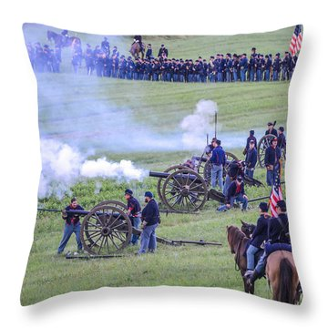 Gettysburg Union Artillery And Infantry 7439c Throw Pillow