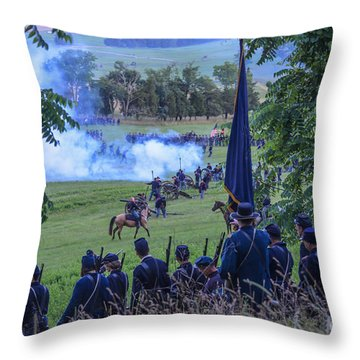 Gettysburg Union Artillery And Infantry 7457c Throw Pillow