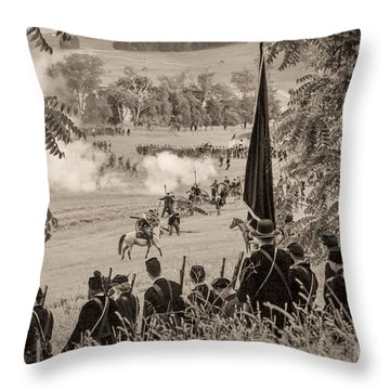Gettysburg Union Artillery And Infantry 7457s Throw Pillow