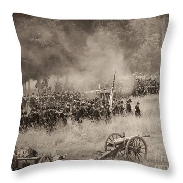 Gettysburg Union Artillery And Infantry 8456s Throw Pillow