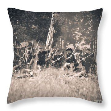 Gettysburg Union Infantry 9348s Throw Pillow