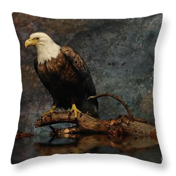 Magestic Eagle  Throw Pillow