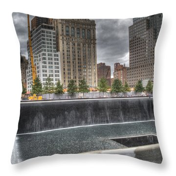 911 Memorial Hdr Throw Pillow