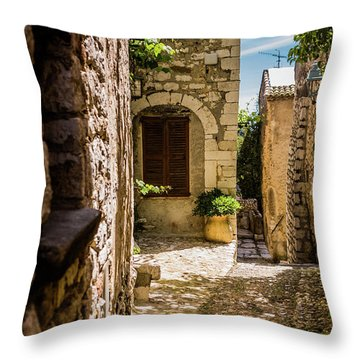 An Alley In Saint Paul De Vence, South Of France. Throw Pillow