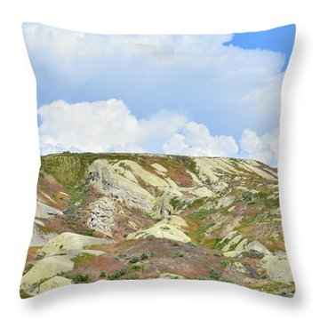 Badlands In Wyoming Throw Pillow
