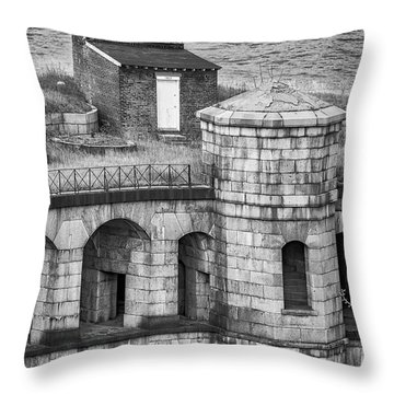 Throw Pillow featuring the photograph Battery Weed At Fort Wadsworth Nyc by Susan Candelario
