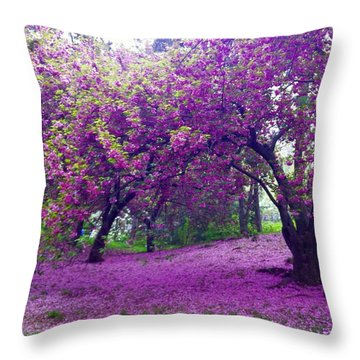 Blossoms In Central Park Throw Pillow