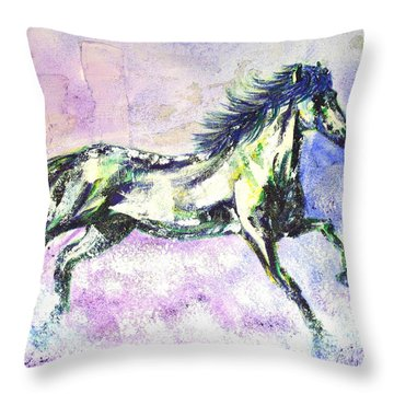 Caballo De Vida Throw Pillow