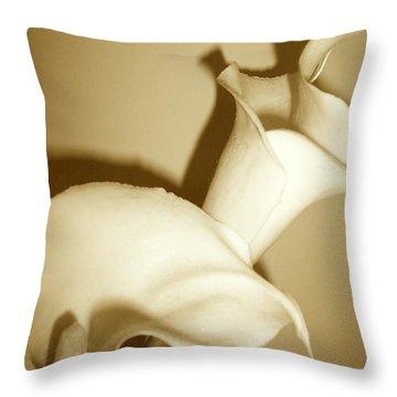 Callacurls Throw Pillow