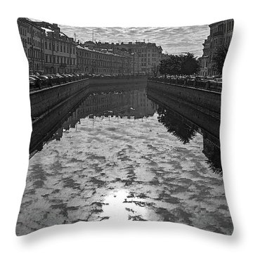 City Reflected In The Water Channels Throw Pillow