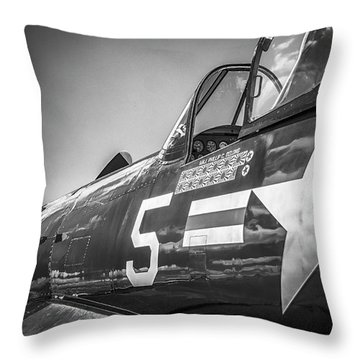 Corsair - Bw Series Throw Pillow