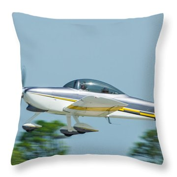 Cracker Fly-in Throw Pillow