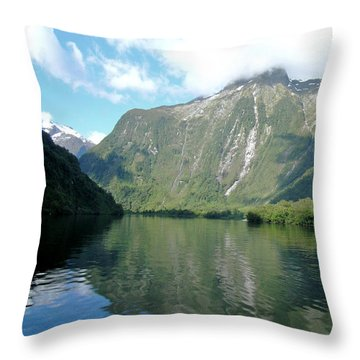 Doubtful Sound, New Zealand No. 3 Throw Pillow