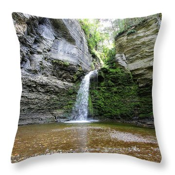 Eagle Cliff Falls In Ny Throw Pillow