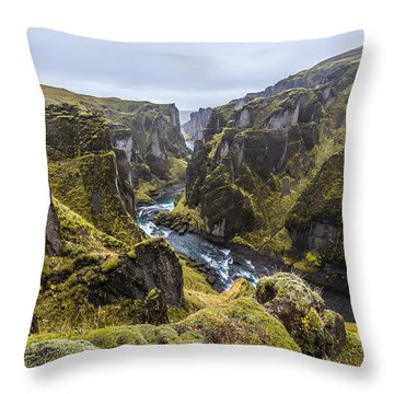 Fjadrargljufur Throw Pillow