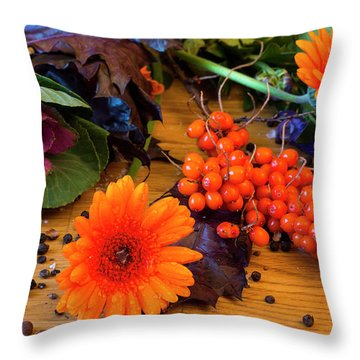 Halloween Decoration Throw Pillow