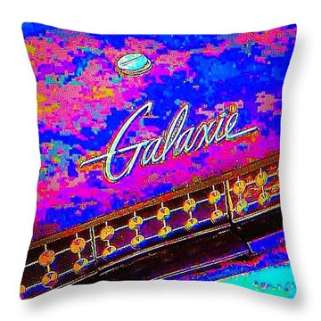 I Am Bindging On #psychedelic Sunday Throw Pillow