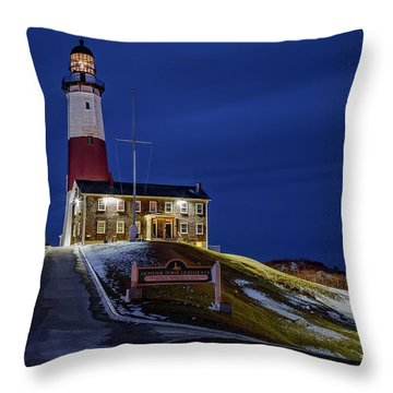 Throw Pillow featuring the photograph Montauk Point Lighthouse by Susan Candelario
