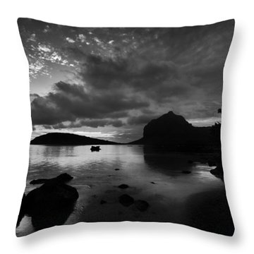 Near Le Morne Throw Pillow