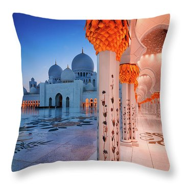 Night View At Sheikh Zayed Grand Mosque, Abu Dhabi, United Arab Emirates Throw Pillow
