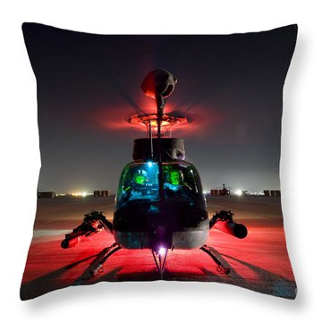Oh-58d Kiowa Pilots Run Throw Pillow by Terry Moore